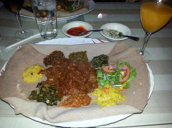 Major Restaurant: Typical meal at Major Ethiopian restaurant