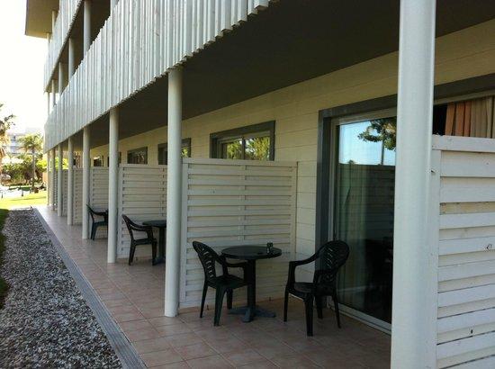 PortAventura Hotel Caribe: Terraza habitaciones