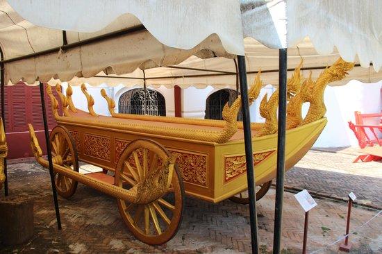 Royal Palace Museum: Royal shrine chariot