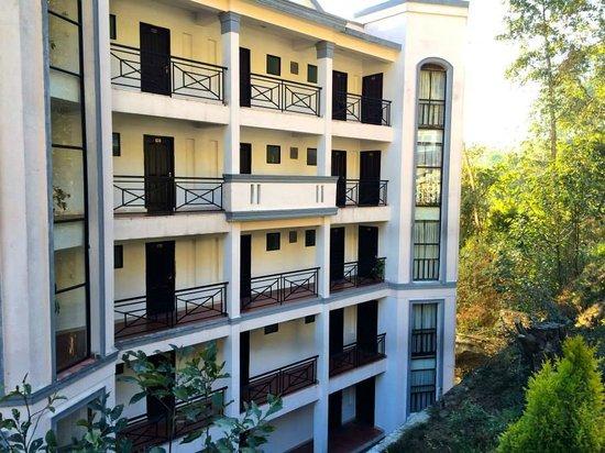 Bhangeri Durbar Resort: from parking
