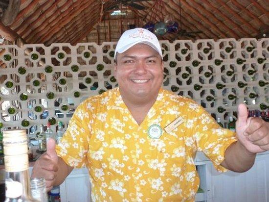 Sunscape Dorado Pacifico Ixtapa: Raymundo!  Barracuda Bar
