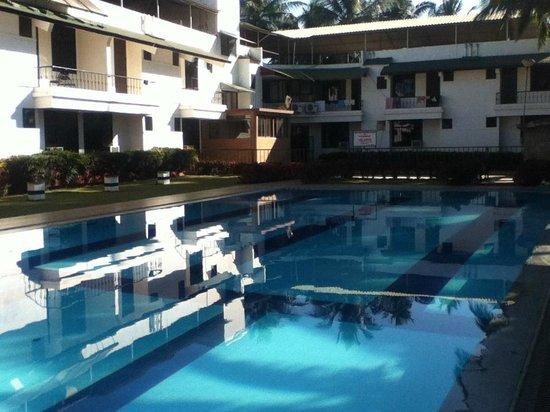 Star Beach Resort Goa: swimming pool at the holel