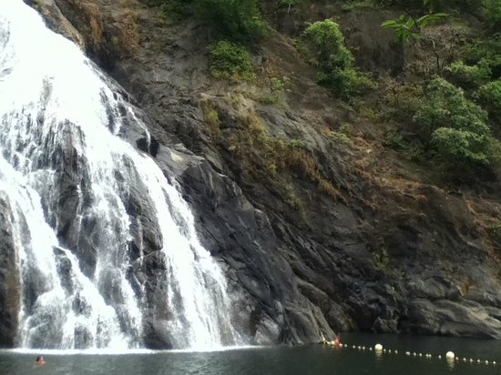 Star Beach Resort Goa : dudsagar waterfalls