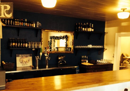 Homeport Eatery: Beer and Wine Bar