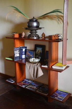 Amatao Tropical Residence : Decoration from Cambodia