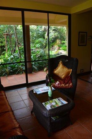 Amatao Tropical Residence: Audio-visual Room