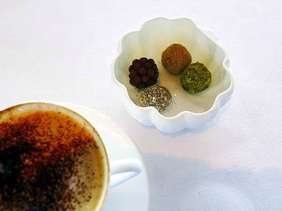 Quay Restaurant: Coffee and petit four