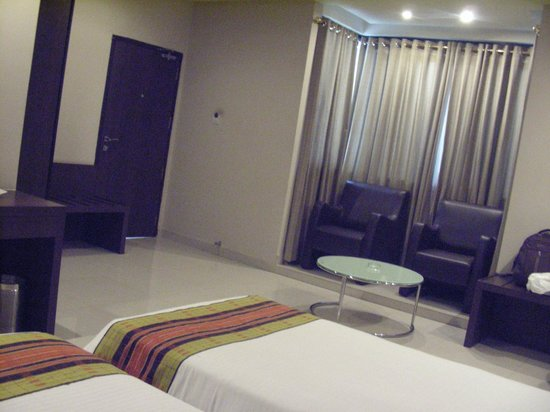 Dibrugarh Club House: Rooms
