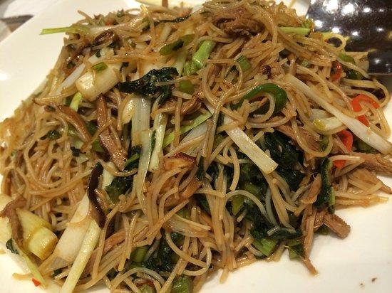 Fook Lam Moon : vege and duck meat stew mee hoon