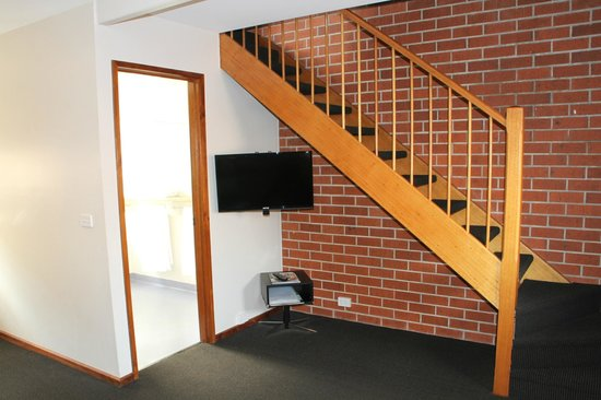 Woolmers Apartments : 2 Bedroom 2 storey apartment photo 2