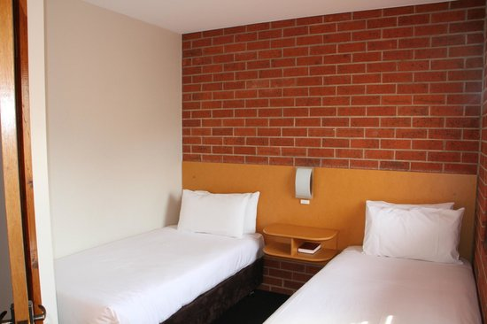 Woolmers Apartments : 2 Bedroom 2 storey apartment photo 3