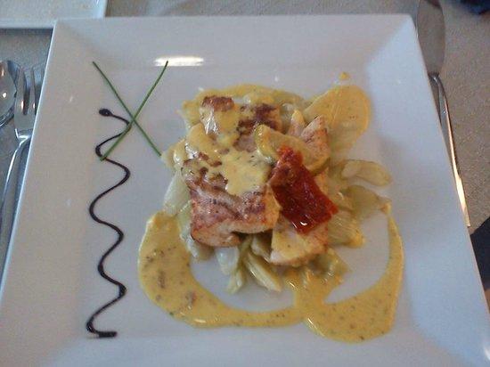 Wikiwàn Restaurant : dos de cabillaud au citron vert étuvée de fenouil écume à l'anis étoilée