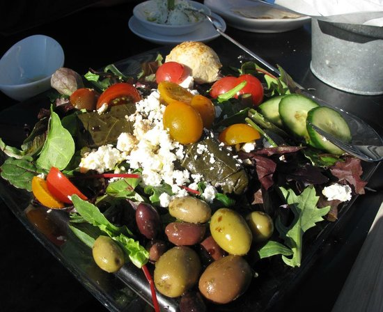 CC Gallagher : Fresh Mediterranean salad