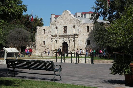 San Antonio Marriott Rivercenter : The Alamo