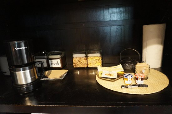 The Cottage Inn & Spa: love the French roast coffee