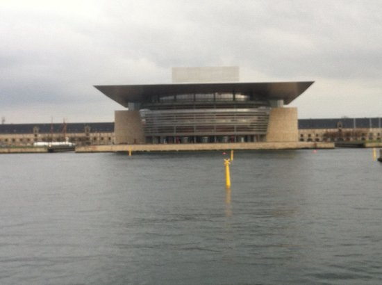 Tr s belle architecture moderne pour l op ra de copenhague - Belle architecture moderne ...