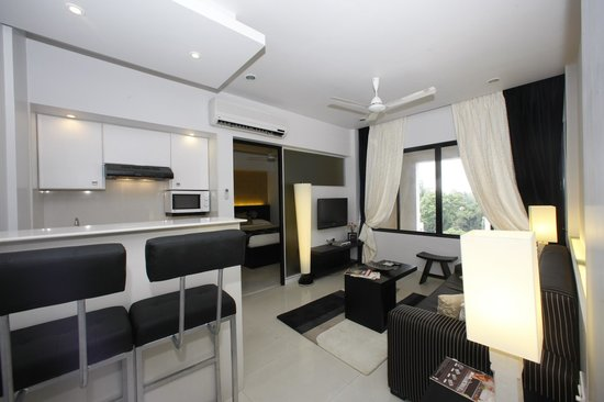 AR Suites Fontana Bay: 1 BHK