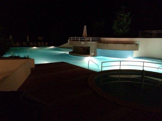 Gran Hotel Termas de Chillán: Piscina de noche
