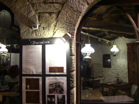 BEST WESTERN Hotel le Donjon: Hotel inside