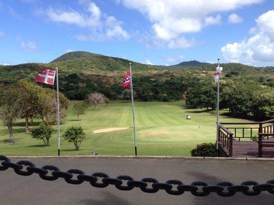 Carambola Golf Club: Great open air bar overlooking 18 green