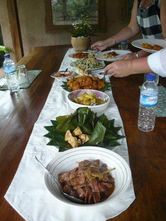 Alam Sari: the luncheon spread