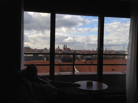 Holiday Inn München - City Centre: Blick aus unserem Zimmer 826