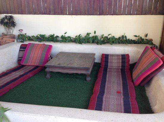 Ban Kong Rao: Rooftop lounge area