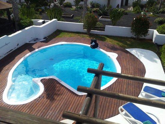 Heredad Kamezi Villas : Pool 3 bed pablo picasso