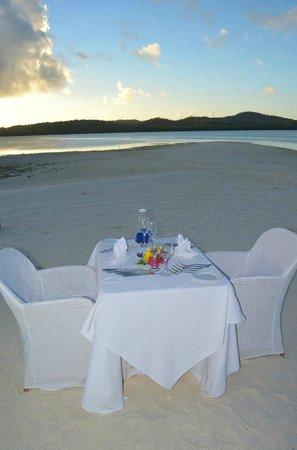 Aitutaki Lagoon Resort & Spa: Candle light dinner