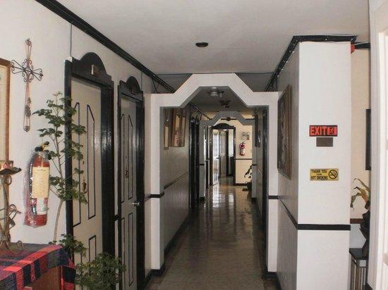 Tahanan sa Isok: 2nd floor