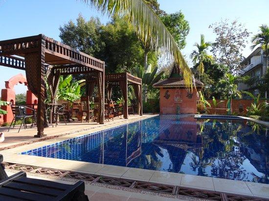 Lanna Saithong Resort: La piscine