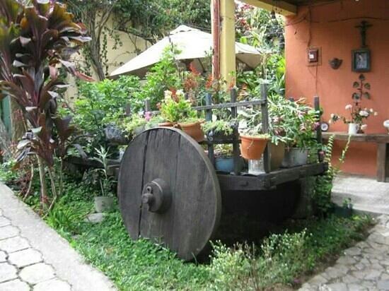 La Cocina Del Obispo: Jardin