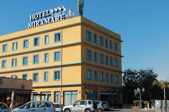 Miramare Hotel : Facciata frontale