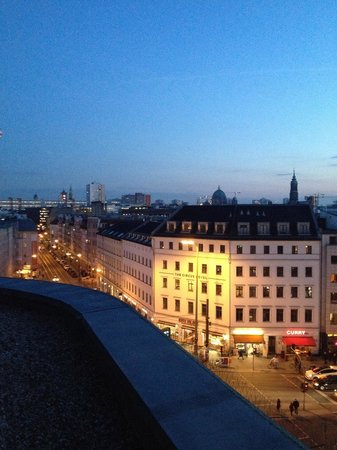 Ibis Styles Berlin Mitte: View from our room at the 7th floor ♥️