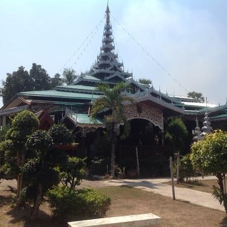 Wat Chong Kham : stile birmano