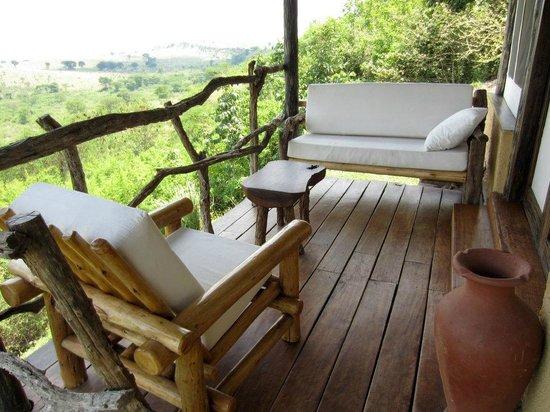 Kyambura Game Lodge: Cottage Balcony