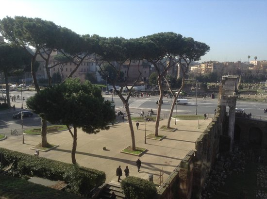 Hotel Forum Roma: View from Room 404