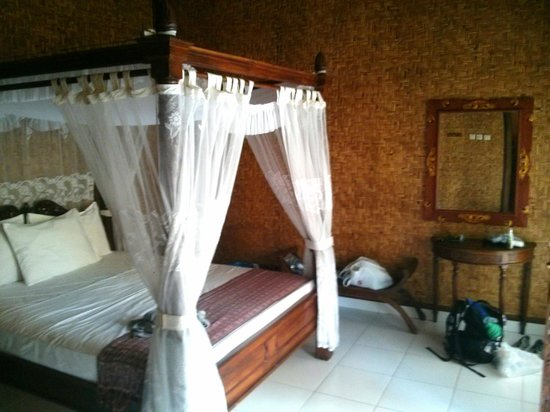 Bunda 7 Bungalow: room no 2