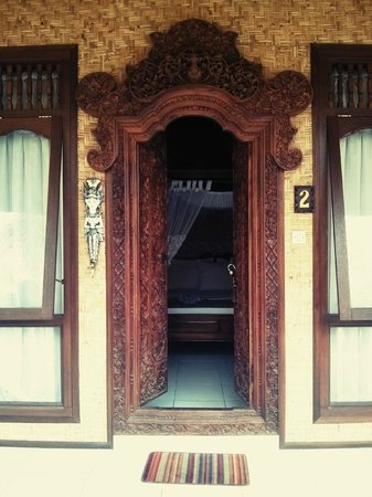 Bunda 7 Bungalow: Entry to room