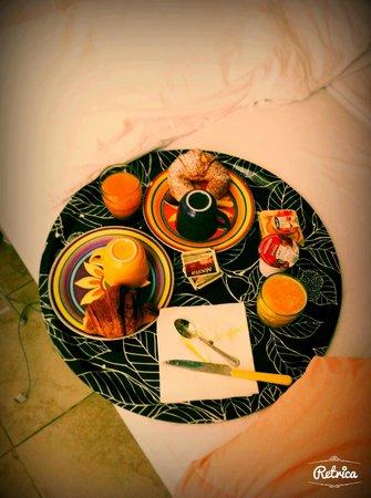 Piccolo Principe B&B: se volete fare una sorpresa alla propria fidanzata , portatele la colazione in camera !!