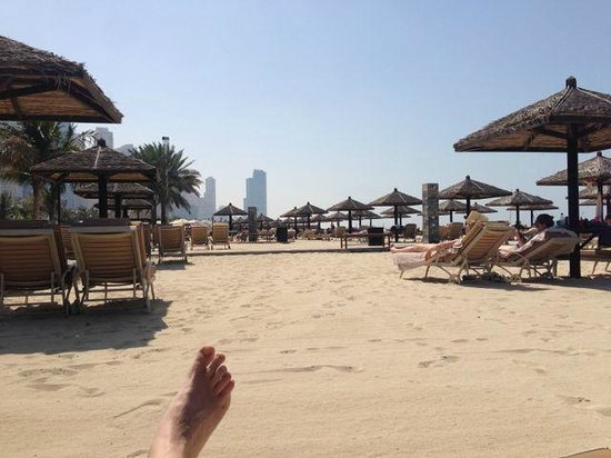 Le Royal Meridien Beach Resort & Spa: Hotel's beach still has excellent service all day long
