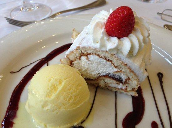 El Trull : Bizcocho de la reina con helado de cookies