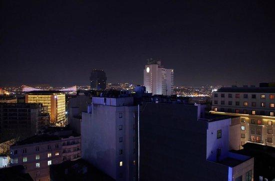 Titanic City Hotel : Вид с терасы ресторана на крыше отеля