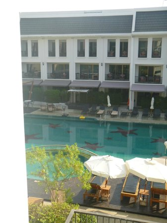 Sawaddi Patong Resort & Spa : Pool
