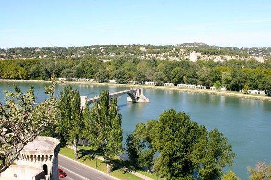 Pont Saint-Bénézet (Pont d'Avignon) : vue depuis les remparts