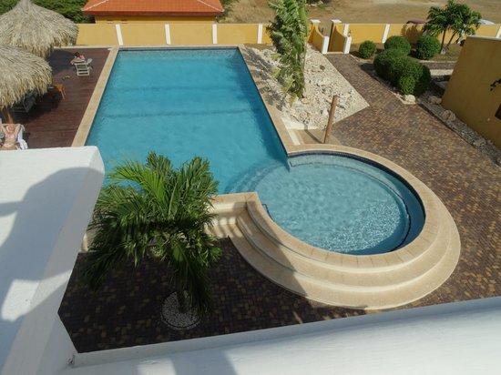 Wanapa Lodge: Lekker ruim zwembad en nooit druk