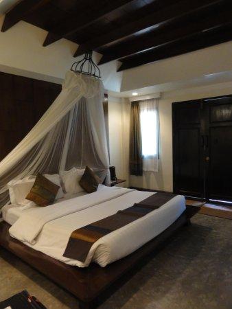 B2 Ayatana Premier Hotel & Resort: la cama