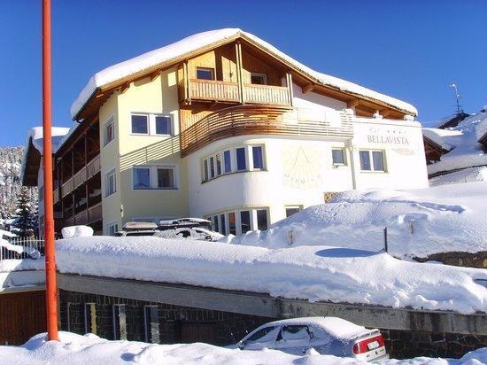 Hotel Bellavista: Hotel von Süd nach Nord