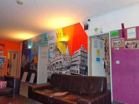 Carpe Noctem Vitae: lounge on the 1st floor
