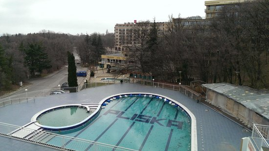 Pliska Hotel: the outdoor swimming pool
